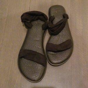 Softest Black Sandals from Sanuk